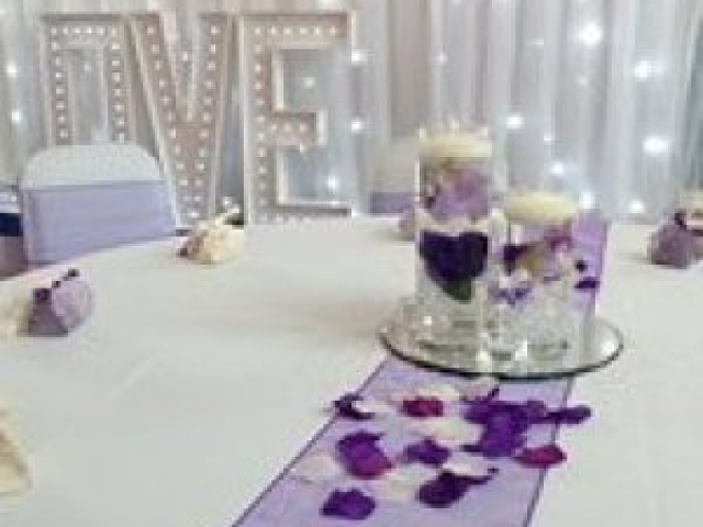 Wedding Centrepiece 3 Cylindrical Vases with candles
