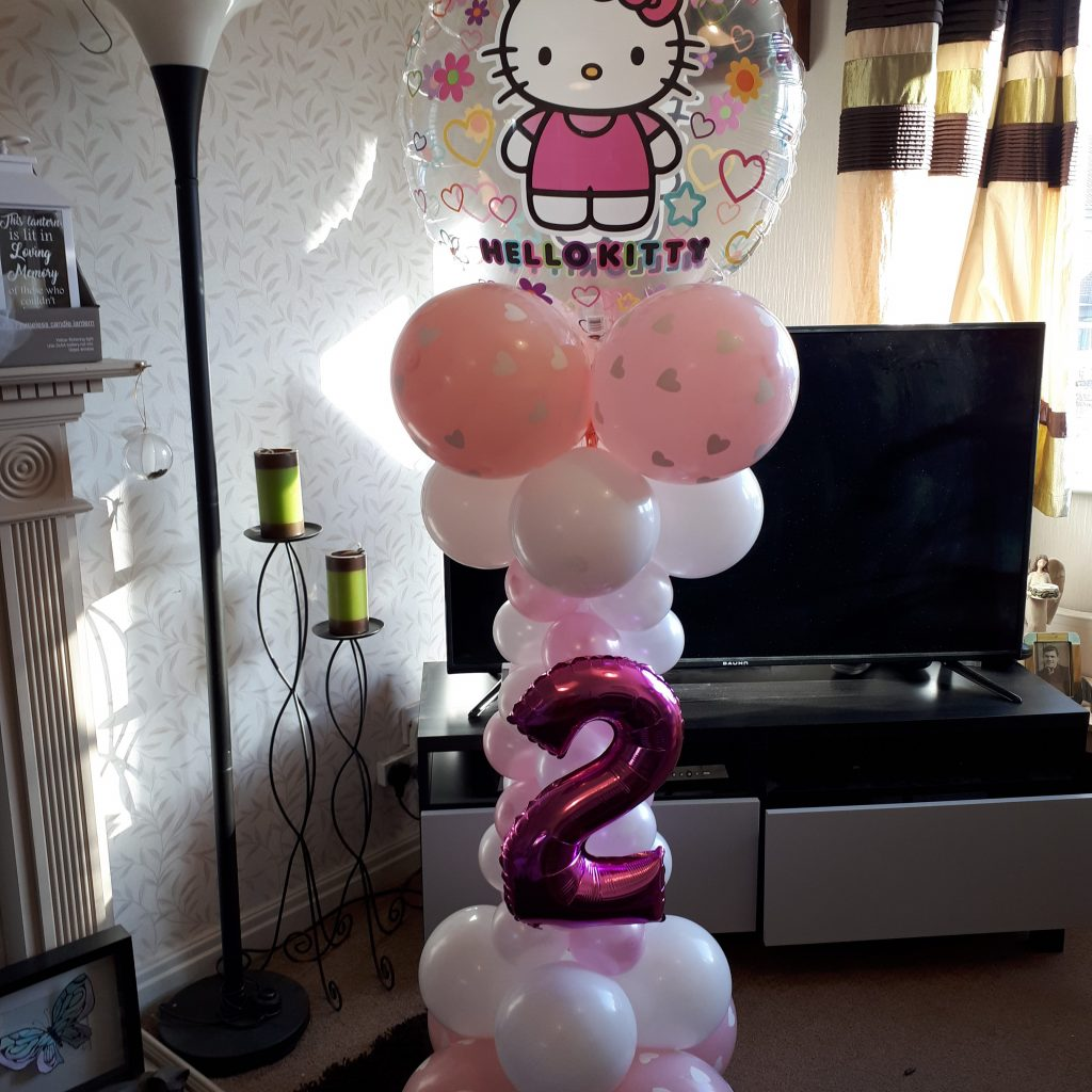 Hello Kitty Balloon Sculpture