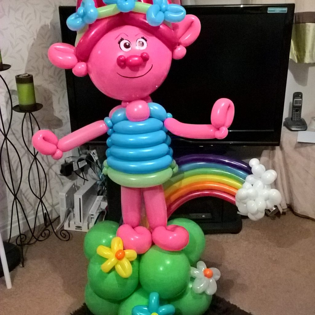 Poppy Troll Balloon Sculpture